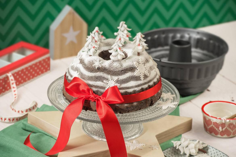 Weihnachtlicher Schwarzwalder Kirschkuchen