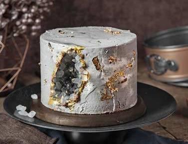 Geodecake mit Vanille-Butter-Creme im Betonlook