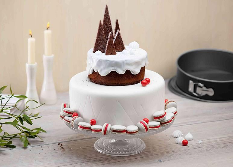 White Christmas mit Kirschpudding- und Buttercreme-Füllung