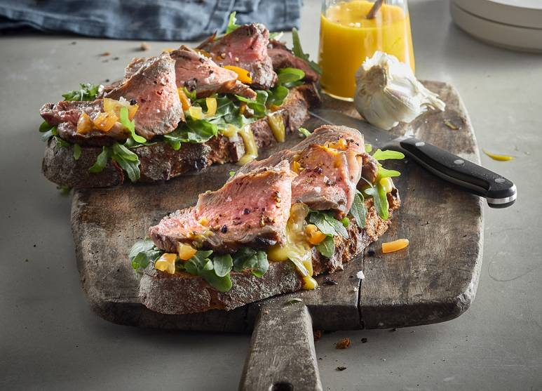 Grilled farmhouse bread with beef steak
