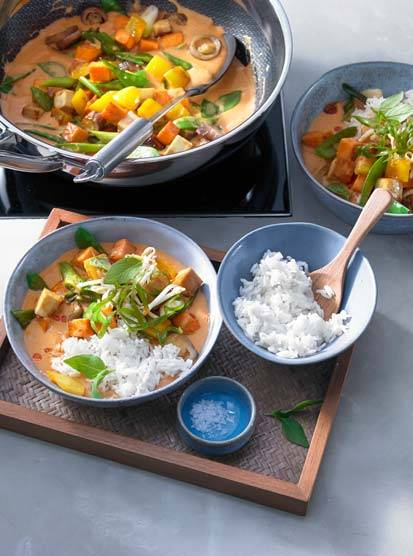 Red vegetable curry from the wok with jasmine rice