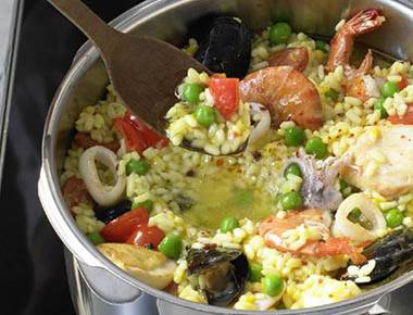 Five-Minute Paella With Seafood